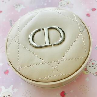 ディオール(Dior)のディオールスキンフォーエヴァークッションパウダー ライト(フェイスパウダー)