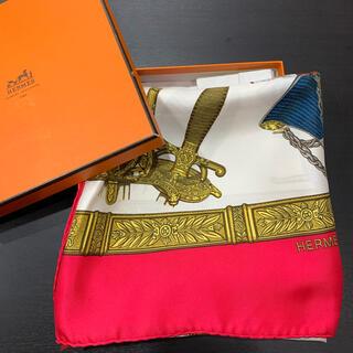 Hermes - 1回 定価5.7万 HERMES エルメス カレ90 レッド シルク  スカーフ