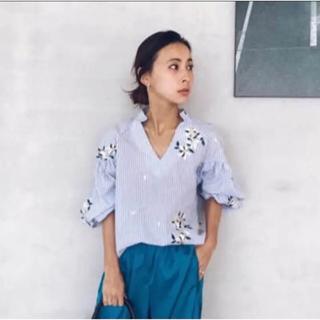 アメリヴィンテージ(Ameri VINTAGE)のAMERI 代官山店限定商品 刺繍シャツ(シャツ/ブラウス(長袖/七分))