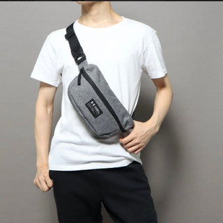 UNDER ARMOUR - ¥2,750アンダーアーマー★STORMボディ・ウエストバッグ【3L】