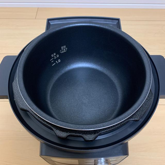 アイリスオーヤマ(アイリスオーヤマ)のアイリスオーヤマ 電気圧力鍋2.2L  KPC-MA2 ブラック【美品】 スマホ/家電/カメラの調理家電(調理機器)の商品写真