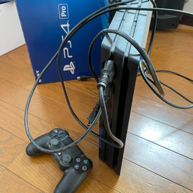 PlayStation4(プレイステーション4)のps4pro 1tb 本体 美品 エンタメ/ホビーのゲームソフト/ゲーム機本体(家庭用ゲーム機本体)の商品写真