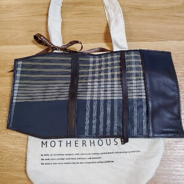 MOTHERHOUSE(マザーハウス)のブックカバー(バッグ付)(9月27日までの出品) ハンドメイドの文具/ステーショナリー(ブックカバー)の商品写真