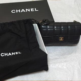 CHANEL -  CHANEL チョコバー カメリア チェーン ショルダー バッグ A16780