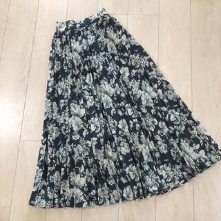 ティティベイト(titivate)の美品 ティティベイト 花柄ロングスカート プリーツ(ロングスカート)