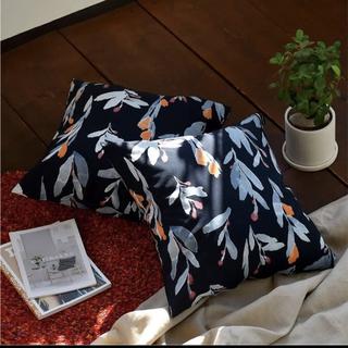 マリメッコ(marimekko)の新品タグ付 マリメッコ ヒュフマ hyhma クッションカバー(クッションカバー)