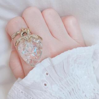 オーロラ クリア  いちご チャーム ゴールド リング 指輪