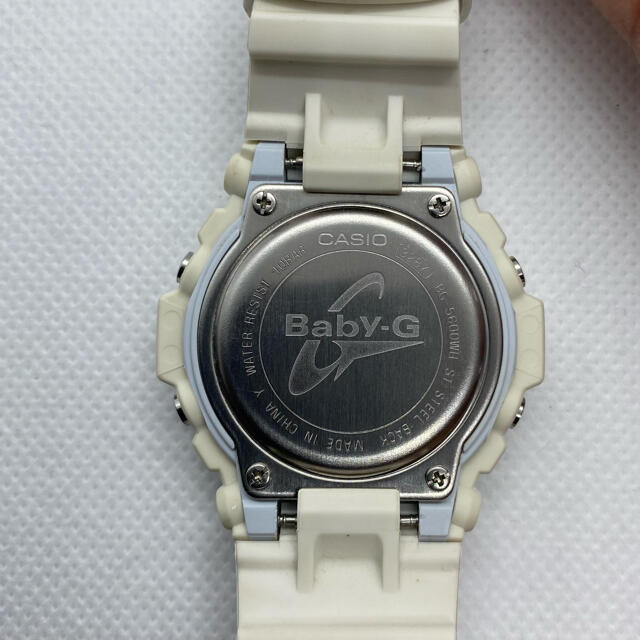 Baby-G(ベビージー)のBabyーG  BG−5600WH レディースのファッション小物(腕時計)の商品写真