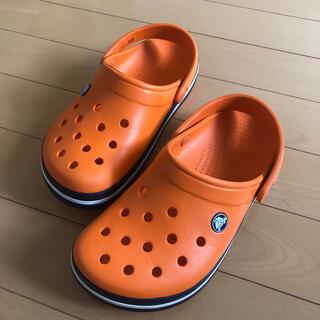 クロックス(crocs)の【22センチ/オレンジ】crocs(サンダル)
