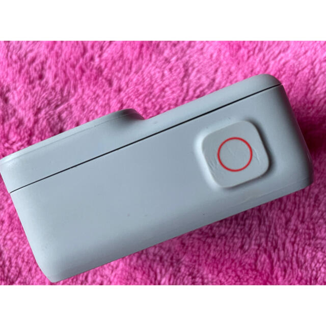 GoPro(ゴープロ)のGoPro Hero7 White スマホ/家電/カメラのカメラ(ビデオカメラ)の商品写真