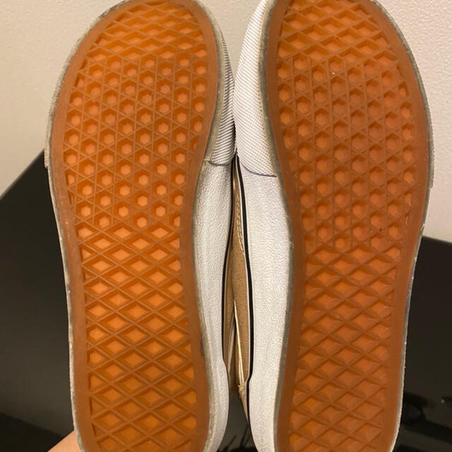 VANS(ヴァンズ)のVANS オールドスクール ベージュ スニーカー レディースの靴/シューズ(スニーカー)の商品写真