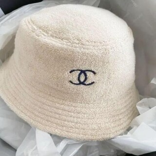 * 素敵?シャネルロゴ バケットハット ベージュにネイビー  帽子#52336