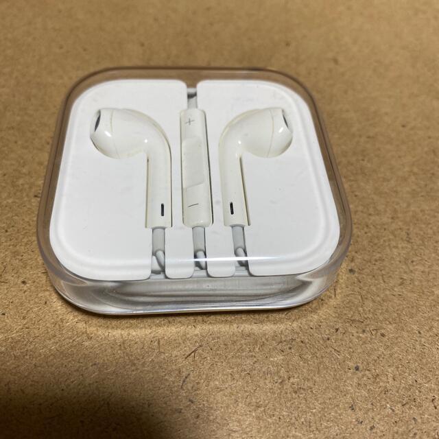 Apple(アップル)のiPhone純正イヤホン新品 スマホ/家電/カメラのオーディオ機器(ヘッドフォン/イヤフォン)の商品写真