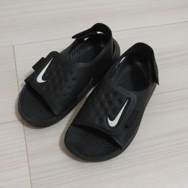 NIKE(ナイキ)のNIKE サンダル 黒 ブラック キッズ キッズ/ベビー/マタニティのキッズ靴/シューズ(15cm~)(サンダル)の商品写真