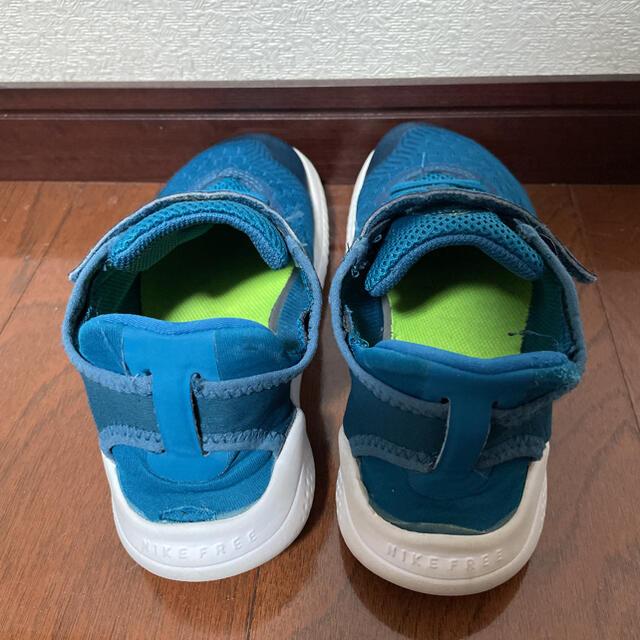 NIKE(ナイキ)のナイキ フリーラン キッズ用 キッズ/ベビー/マタニティのキッズ靴/シューズ(15cm~)(スニーカー)の商品写真