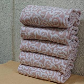 5枚セットバスタオル 今治産 サーモンピンク/白い渦潮のような模様