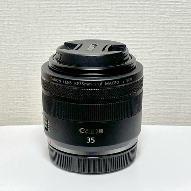 Canon(キヤノン)の【美品】RF35mm F1.8 MACRO IS STM スマホ/家電/カメラのカメラ(レンズ(単焦点))の商品写真