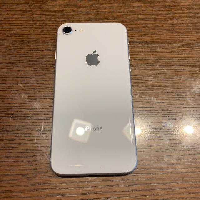iPhone(アイフォーン)のiPhone 8 Silver 64 GB SIMフリー apple アイフォン スマホ/家電/カメラのスマートフォン/携帯電話(スマートフォン本体)の商品写真