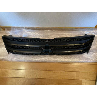 ミツビシ(三菱)のエクリプスクロス 北米仕様 リミテッドエディション フロントブラックグリル(車種別パーツ)