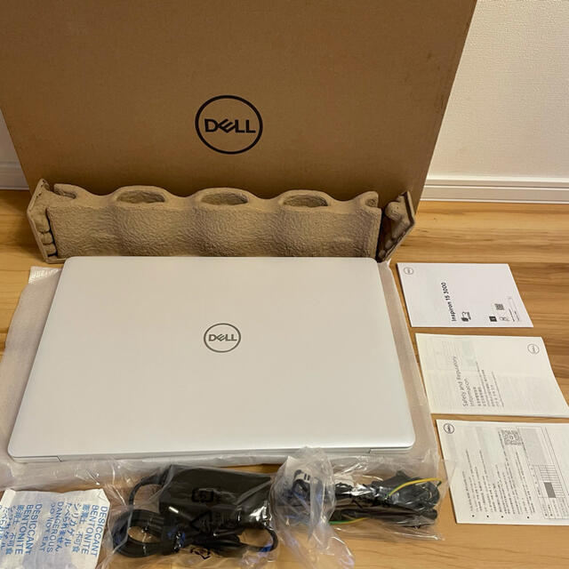 DELL(デル)のCK様専用 未使用新品 デル/DELL Inspiron 3593 購入額約8万 スマホ/家電/カメラのPC/タブレット(ノートPC)の商品写真
