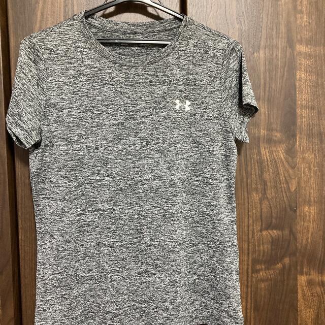 UNDER ARMOUR(アンダーアーマー)のアンダーアーマーTシャツ スポーツ/アウトドアのスポーツ/アウトドア その他(その他)の商品写真