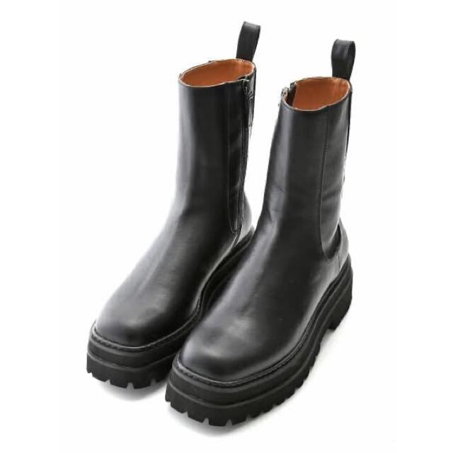 Mila Owen(ミラオーウェン)の新品 ミラオーウェン  トラックソールハイアンクルソール レディースの靴/シューズ(ブーツ)の商品写真
