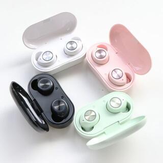 【送料無料】ワイヤレスイヤホン Bluetooth5.0 TW60 Bluck (ヘッドフォン/イヤフォン)