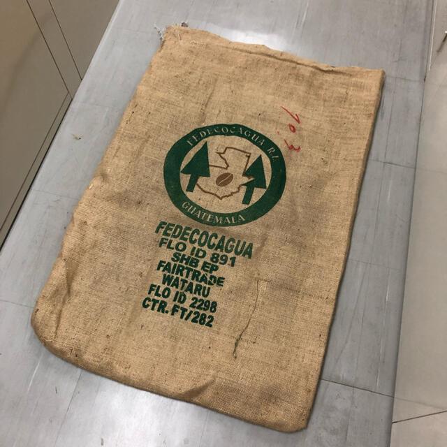 コーヒー農園の麻袋 ① 食品/飲料/酒の飲料(コーヒー)の商品写真