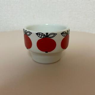 アラビア(ARABIA)のアラビア りんごのエッグカップ(置物)
