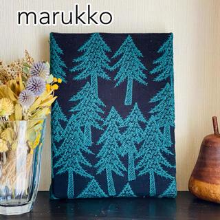 刺繍パネル 北欧の木々 ファブリックパネル 20×15(ウェルカムボード)