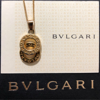 BVLGARI - BVLGARIゴールドドッピオトンドダブルリングロゴチャーム+ネックレスチェーン