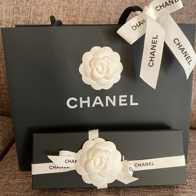 CHANEL(シャネル)のCHANEL 新品 リボンバレッタ レディースのヘアアクセサリー(バレッタ/ヘアクリップ)の商品写真