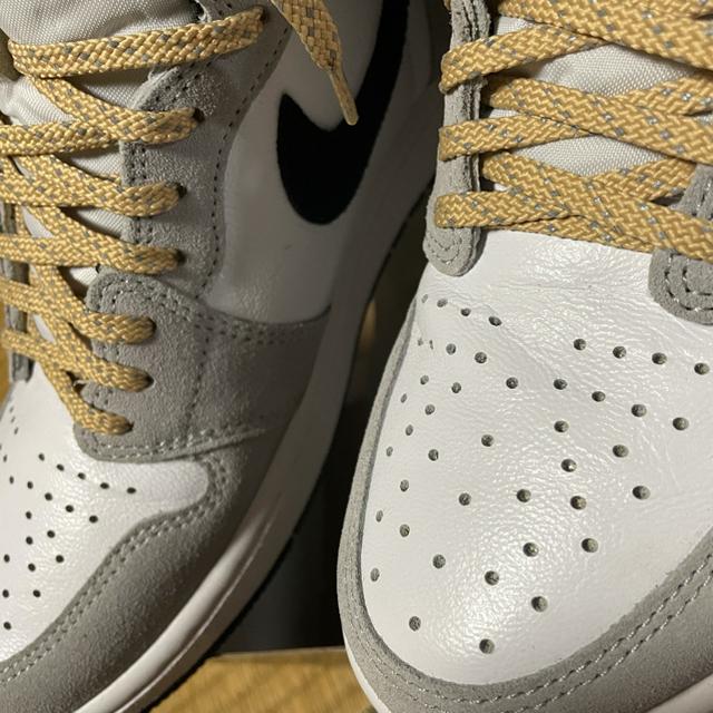 NIKE(ナイキ)のジョーダン1  ライトスモークグレー メンズの靴/シューズ(スニーカー)の商品写真