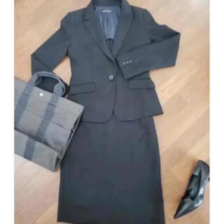 インディヴィ(INDIVI)のインディヴィ 黒スーツ 上下 スカート(スーツ)