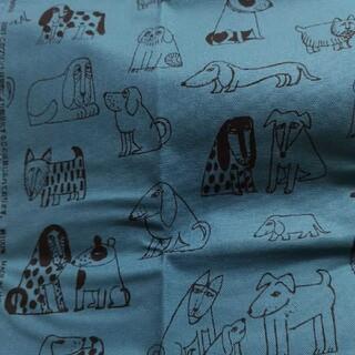 リサラーソン(Lisa Larson)のリサラーソン 帆布 生地 最新 レア 108×30 dogs くすみブルー(生地/糸)