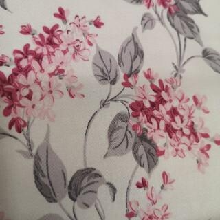 ローラアシュレイ(LAURA ASHLEY)のローラアシュレイ 生地 ツイル 花柄 YUWA 約110×50cm ピンク(生地/糸)