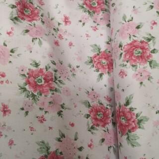 ローラアシュレイ(LAURA ASHLEY)のローラアシュレイ 生地 ツイル 花柄 YUWA 約110×50cm 濃いピンク(生地/糸)