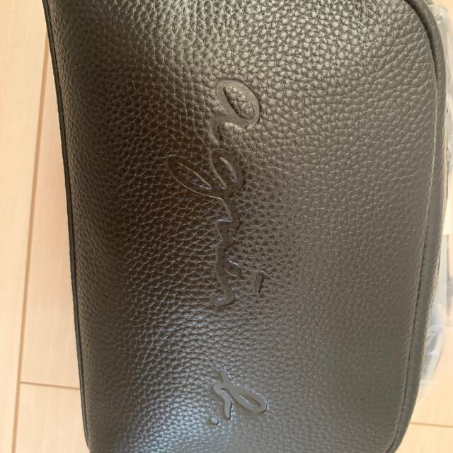 agnes b.(アニエスベー)の未使用 アニエスベー  エンボスロゴ レザー ショルダーバッグ 斜めがけ レディースのバッグ(ショルダーバッグ)の商品写真