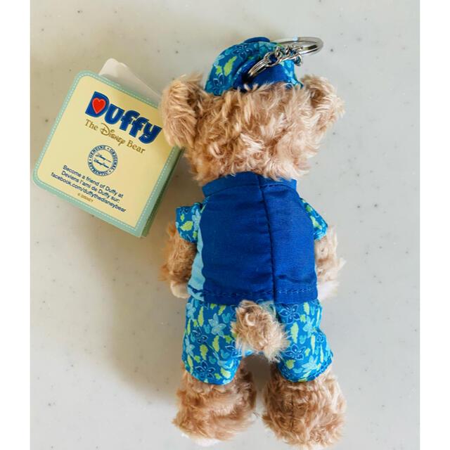 ダッフィー(ダッフィー)のダッフィー アウラニ限定 ぬいぐるみキーホルダー ディズニーぬいば エンタメ/ホビーのおもちゃ/ぬいぐるみ(キャラクターグッズ)の商品写真
