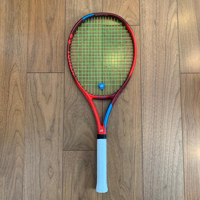 YONEX(ヨネックス)のYONEX VCORE 100L G2 2021年モデル スポーツ/アウトドアのテニス(ラケット)の商品写真
