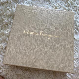 Salvatore Ferragamo - 新品未使用✨フェラガモ香水ボディクリームセット