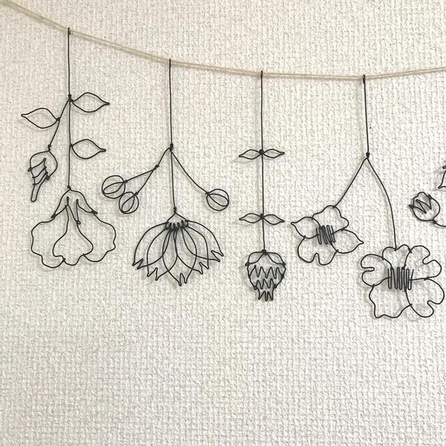 お花のガーランド ワイヤークラフト フラワー ハンドメイドのフラワー/ガーデン(ドライフラワー)の商品写真