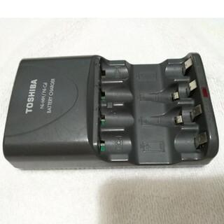 トウシバ(東芝)の中古Ni-MH/Ni-Cd充電器 単三、単四 TOSHIBA(バッテリー/充電器)