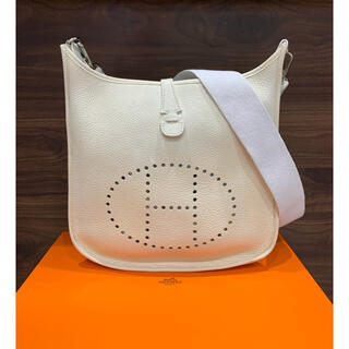 Hermes - 美品 エルメス エブリンPM 2 ホワイト ショルダーバッグ 正規品