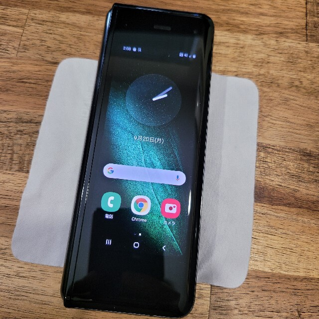 Galaxy(ギャラクシー)の【セール中】Galaxy Fold 512GB スマホ/家電/カメラのスマートフォン/携帯電話(スマートフォン本体)の商品写真