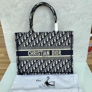 クリスチャンディオール(Christian Dior)の【DIOR】ディオール ブックトート スモール ネイビー(トートバッグ)