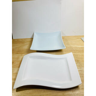 ビレロイアンドボッホ(ビレロイ&ボッホ)の送料込み Villeroy & Bochプレート無名メーカープレート2枚セット(食器)