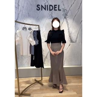 snidel - 【店舗限定】SNIDEL ハイウエストヘムフレアツイルスカート MOC