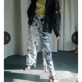 アメリヴィンテージ(Ameri VINTAGE)のMARTE Marble Pattern Pants(カジュアルパンツ)