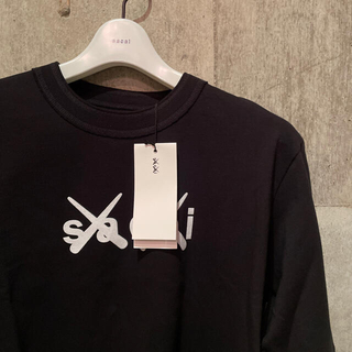 新品 sacai × KAWS サカイ カウズ ロングスリーブ Tシャツ(Tシャツ/カットソー(七分/長袖))